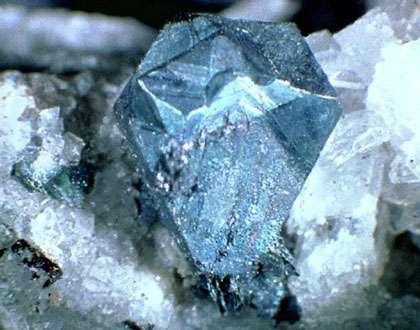 Bornite © Lou Perloff Photo Atlas of Minerals