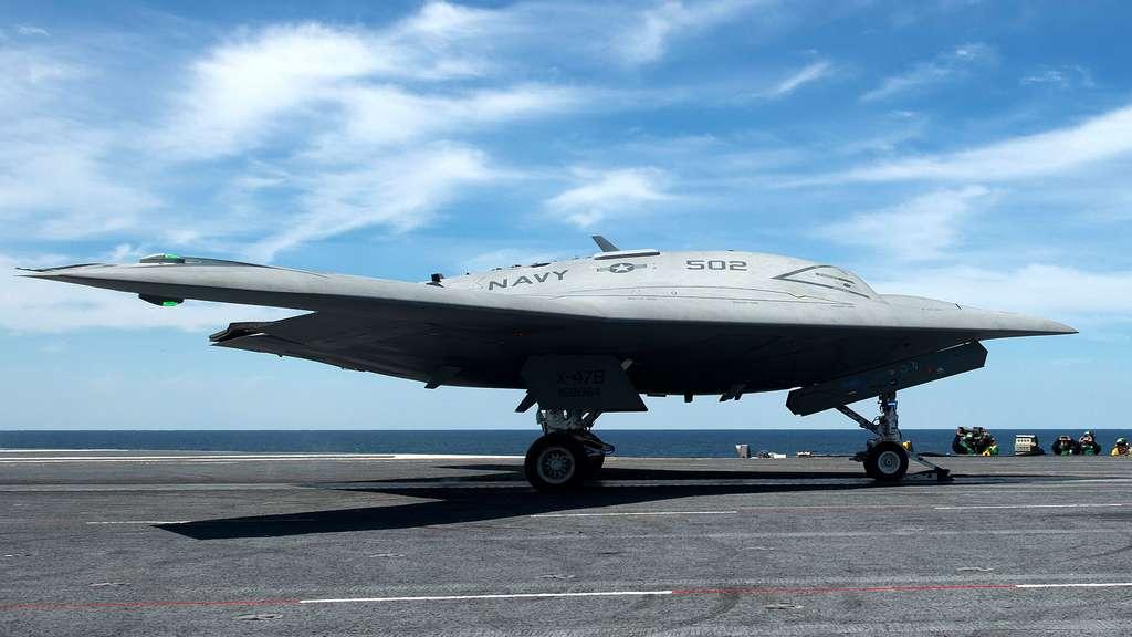 Le X-47B, un avion de combat aérien sans pilote de la marine américaine
