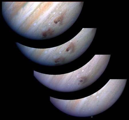Les taches sombres sur la surface de Jupiter prises par le télescope Hubble dans le visible sont dues à la chute des fragments de Shoemaker-Levy 9. © H. Hammel (SSI), WFPC2, HST, Nasa