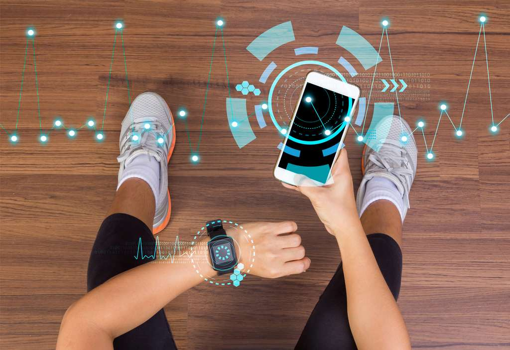 L'Apple Watch doit se trouver dans l'objectif photo de l'Iphone. © kromkrathog, Adobe Stock