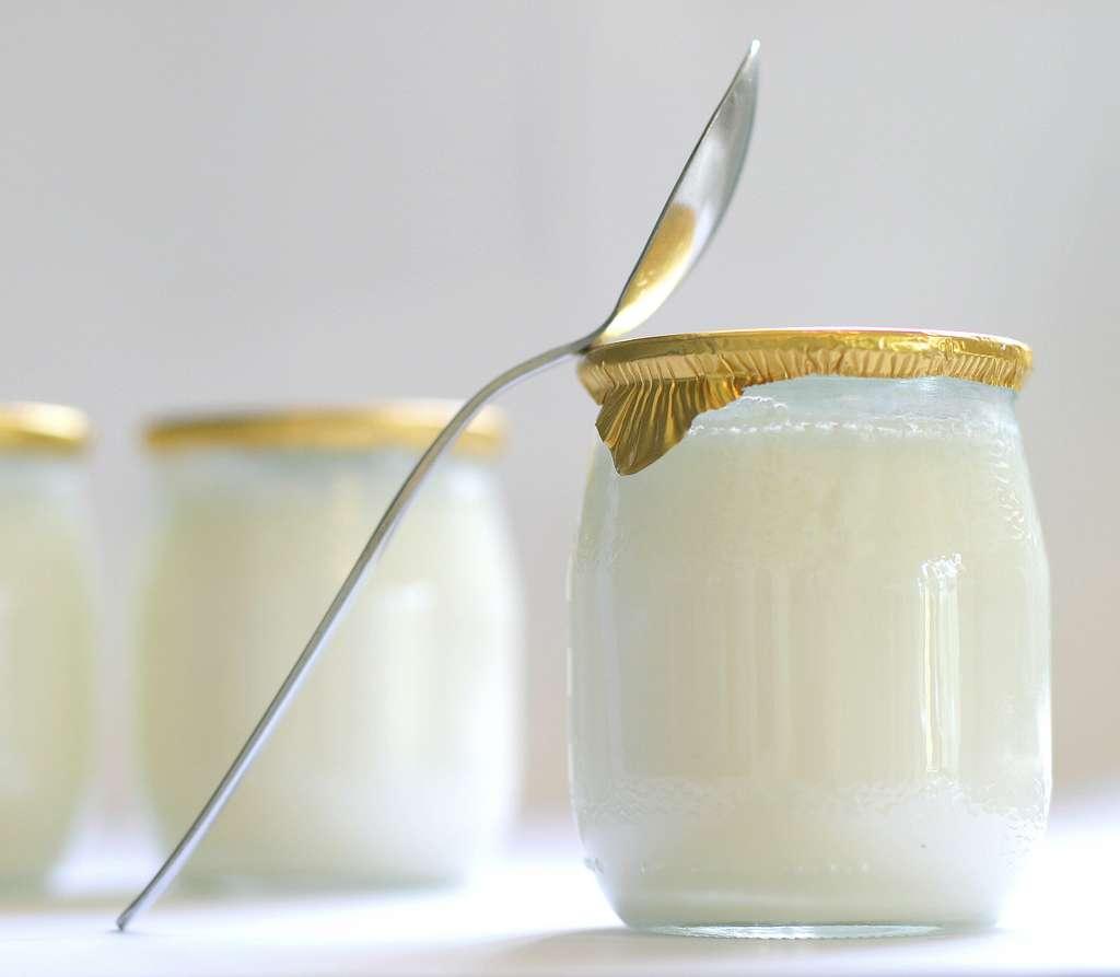 Le yaourt. © Chantal, Adobe Stock
