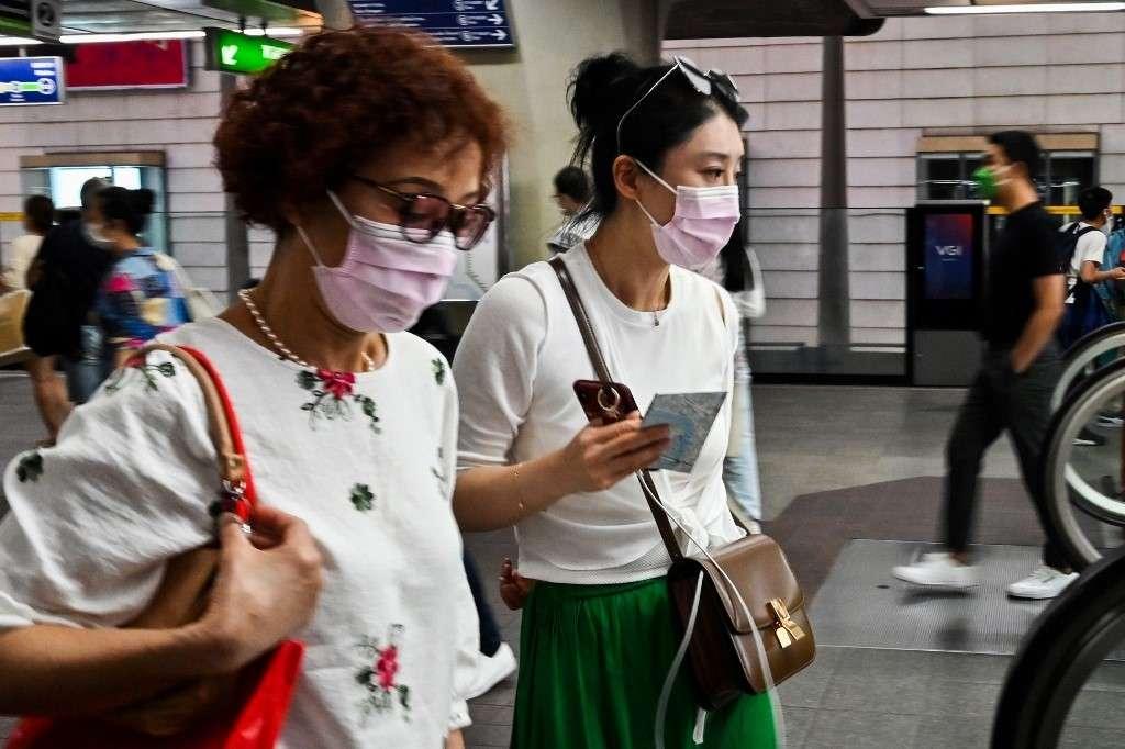 Coronavirus, le nombre de morts s'élève à 425 en Chine.