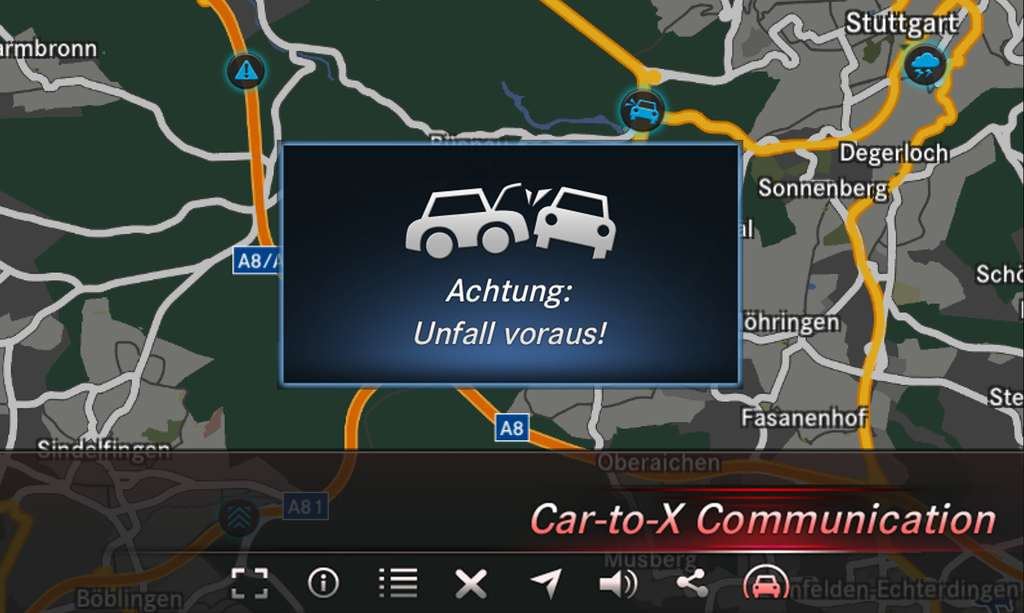 Dans cet exemple de fonctionnement du système Car-to-X, le conducteur est averti de la présence d'un accident sur son parcours. Son écran lui signale également qu'il va rencontrer de mauvaises conditions météo. Ces informations sont transmises par d'autres véhicules connectés à Car-to-X. © Mercedes-Benz