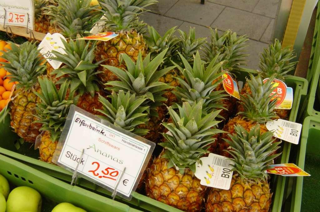 L'ananas se trouve principalement en hiver sur les marchés français. © capl@washjeff.edu, CC by nc-sa 3.0