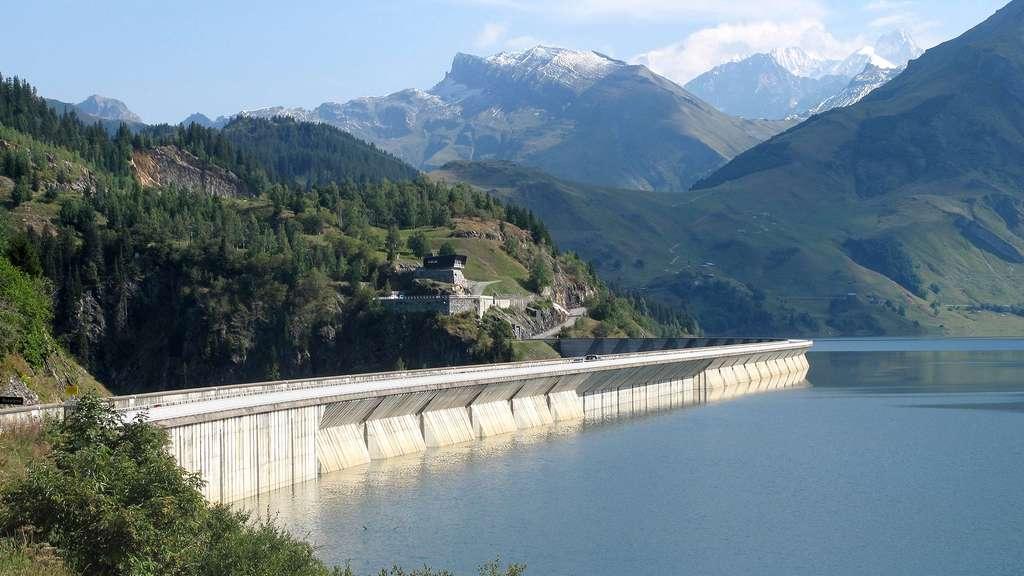 Le barrage de Roselend, le plus « esthétique » des barrages de Savoie