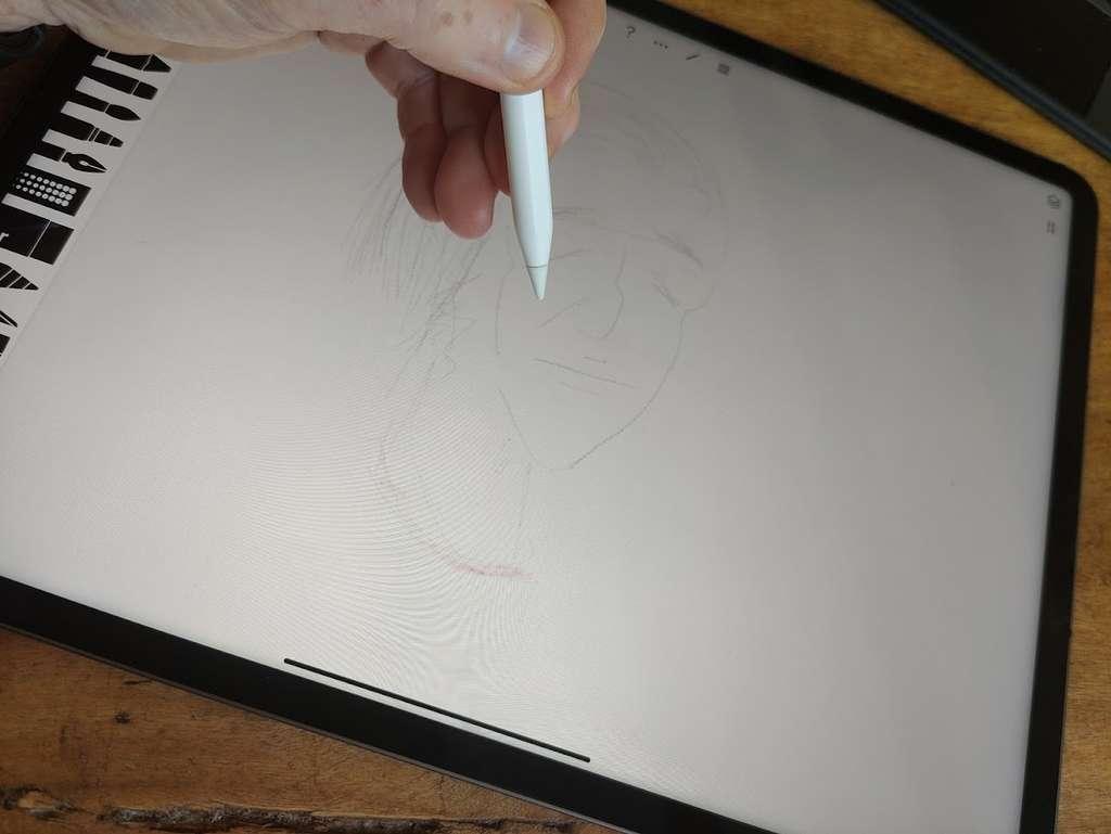 Avec la technologie mini-LED, les LED sont 120 fois plus petites que celles des modèles précédents. La qualité est au rendez-vous, mais l'iPad prend de l'embonpoint. © Futura