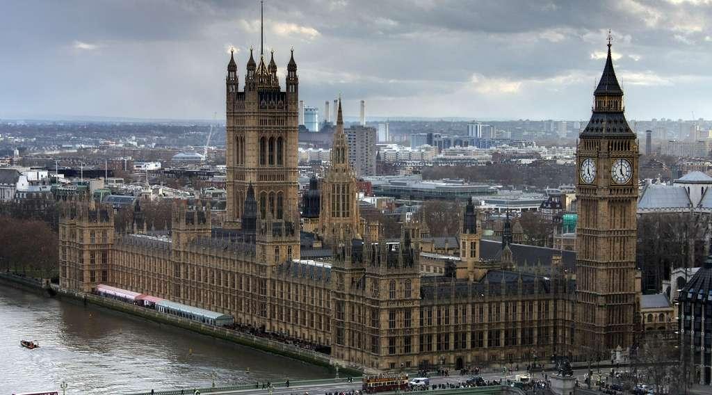 Palais de Westminster, siège du Parlement, Londres. Cliché David Castor. © Wikimedia Commons, domaine public
