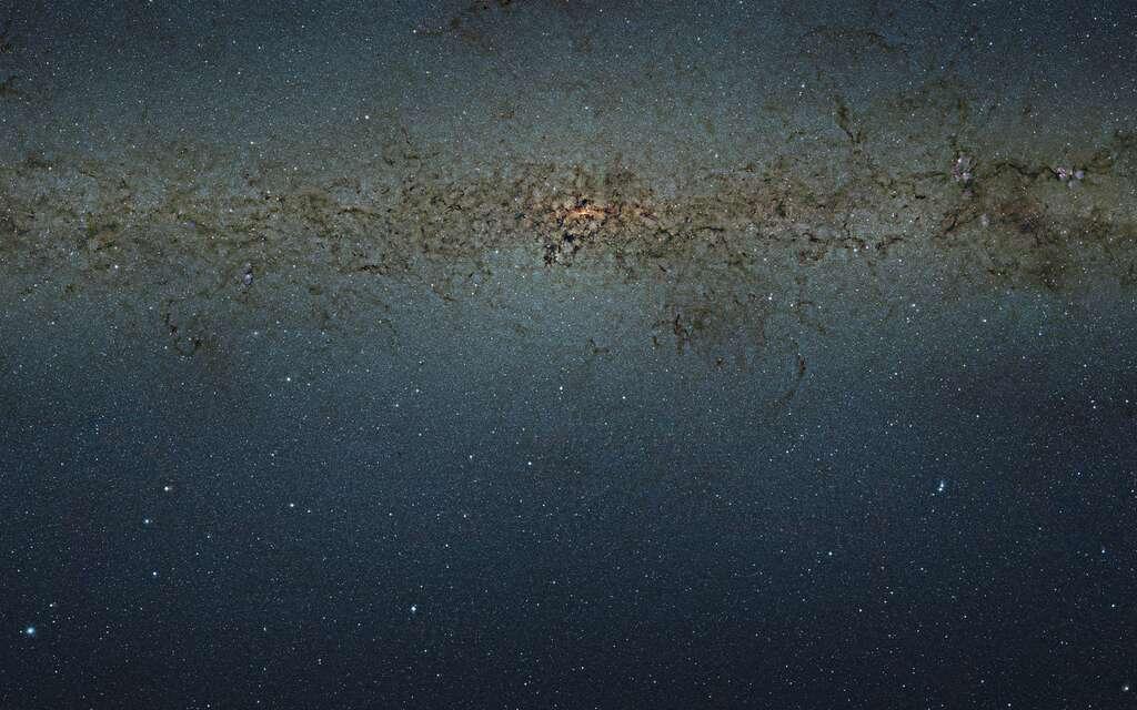 Des milliards d'étoiles au centre de la Voie lactée