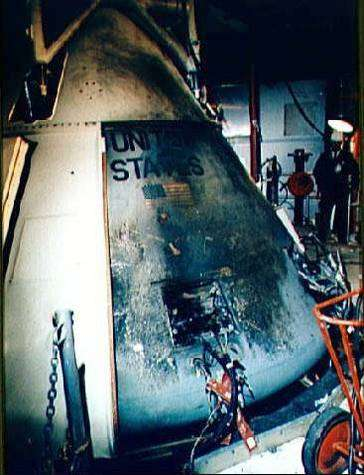 Aspect d'Apollo 1 après l'incendie. NASA.