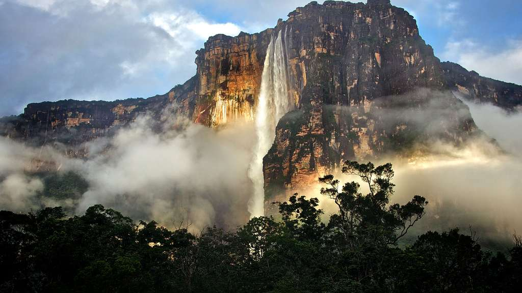 La chute d'eau de Salto Angel au Venezuela