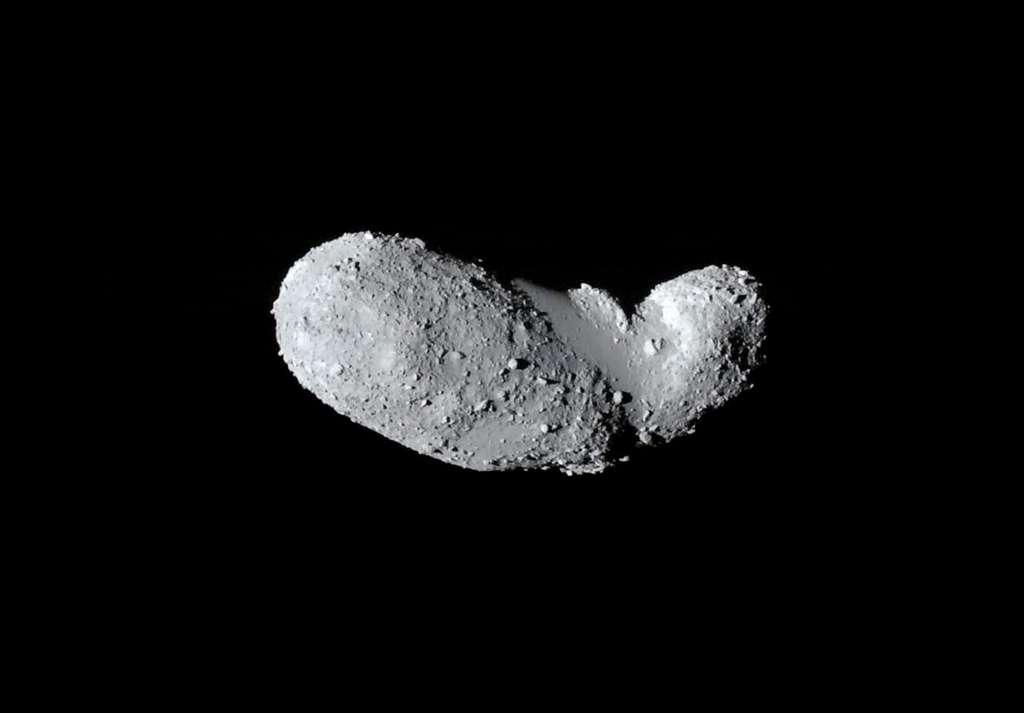 L'astéroïde Itokawa photographié en septembre 2005 par la sonde spatiale Hayabusa. © Jaxa