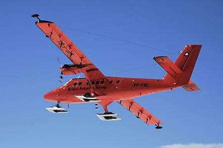 Le radar aéroporté du British Antarctic Survey. © Carl Robinson-British Antarctic Survey