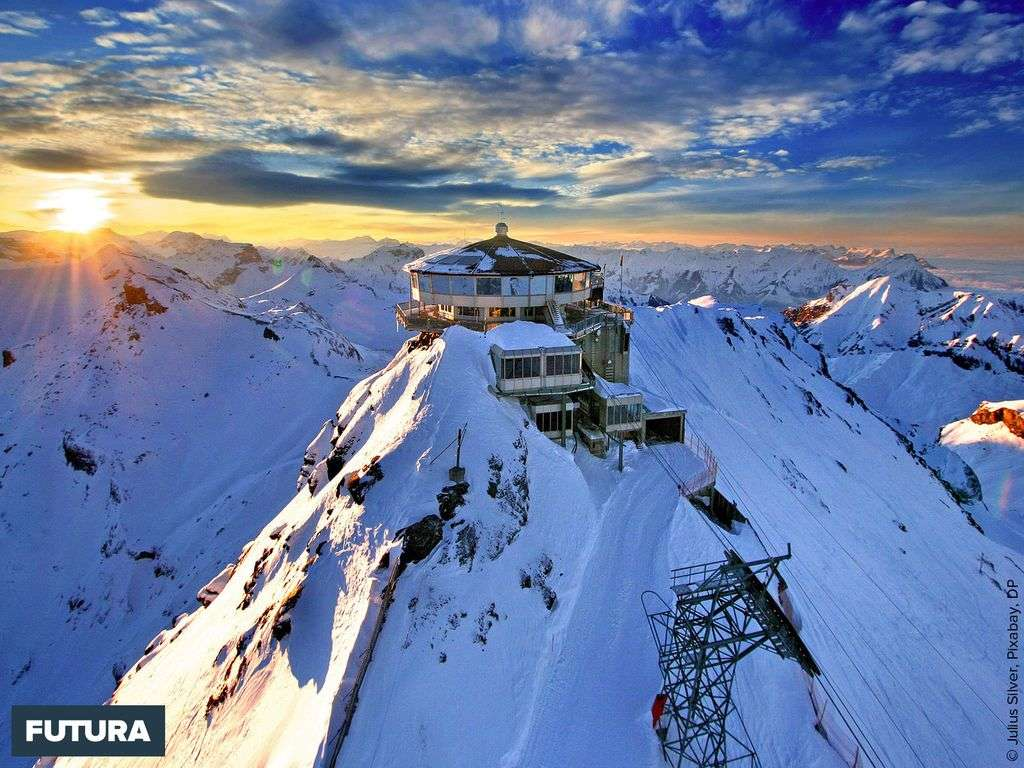 Le Schilthorn offre une vue à 360 degrés sur les Alpes suisses