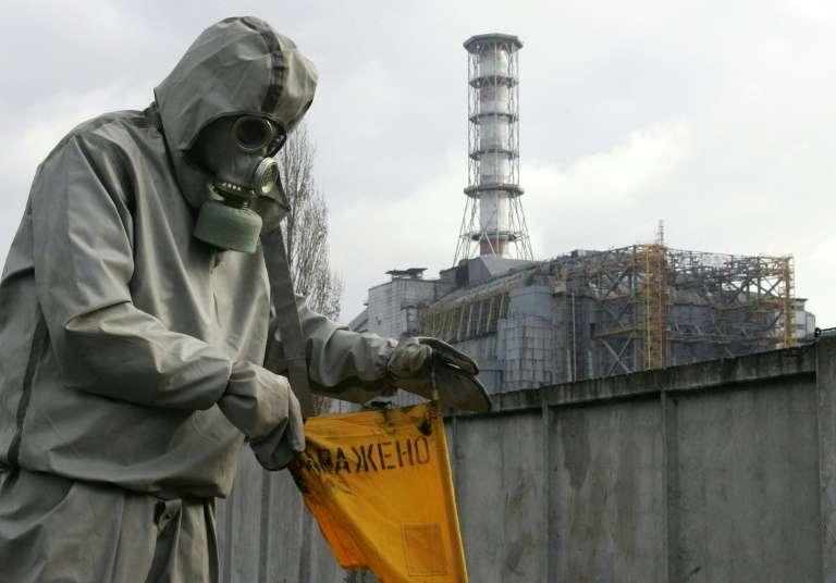 L'accident de Tchernobyl en 1986 a provoqué des nuages radioactifs contenant notamment du césium, entraînant des pluies acides et des contaminations à travers l'Europe du Nord. © Sergei Supinsky, AFP, Archives