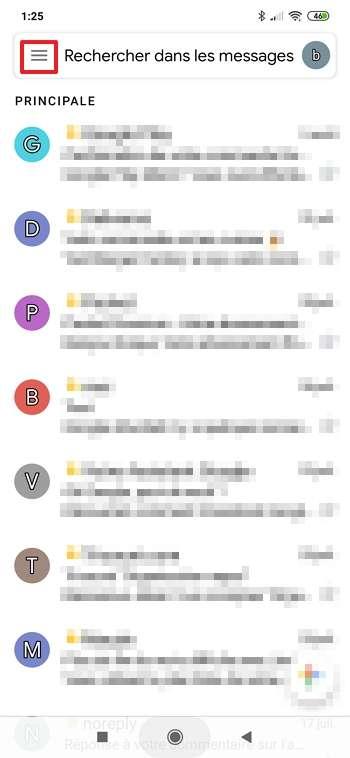 Appuyez sur l'icône du menu hamburger en haut à gauche. © Google Inc.