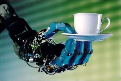 Un robot capable d'interactions constructives avec les humains devra savoir être délicat. © Institute of Robotics & Mechatronics/DLR