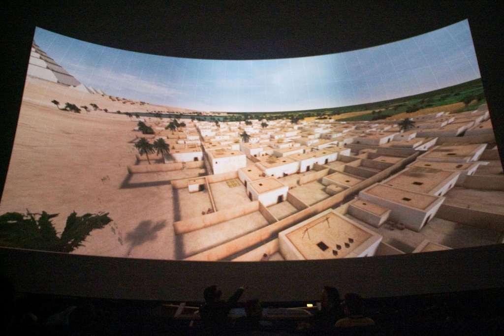 Une vue de l'animation 3D « Khéops révélé », qui fut présentée à la Géode de la Cité des sciences (Paris) en 2007. © Dassault Systèmes