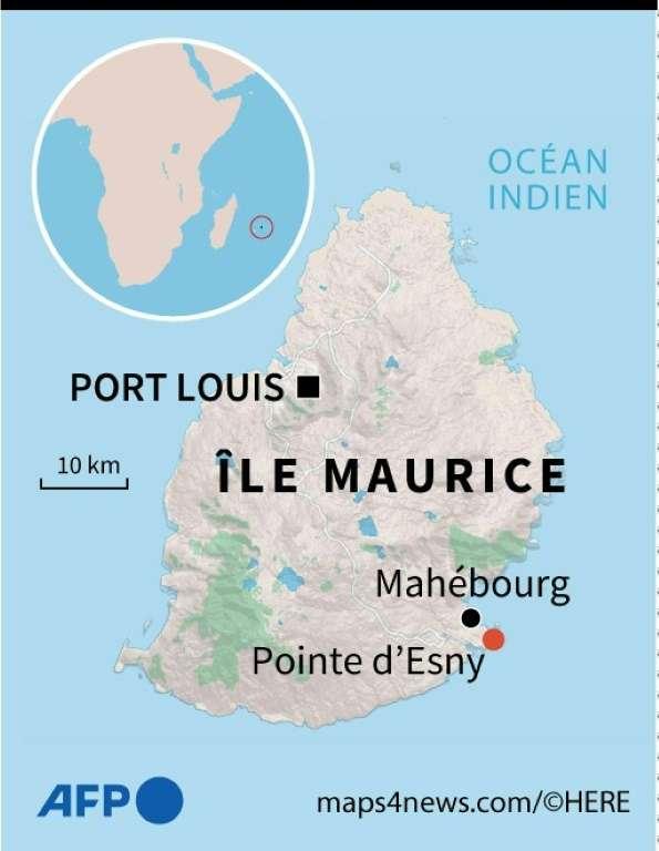 Carte de l'île Maurice et localisation de Pointe d'Esny, site où le vraquier Wakashio, battant pavillon panaméen, s'est échoué le 25 juillet 2020. © AFP