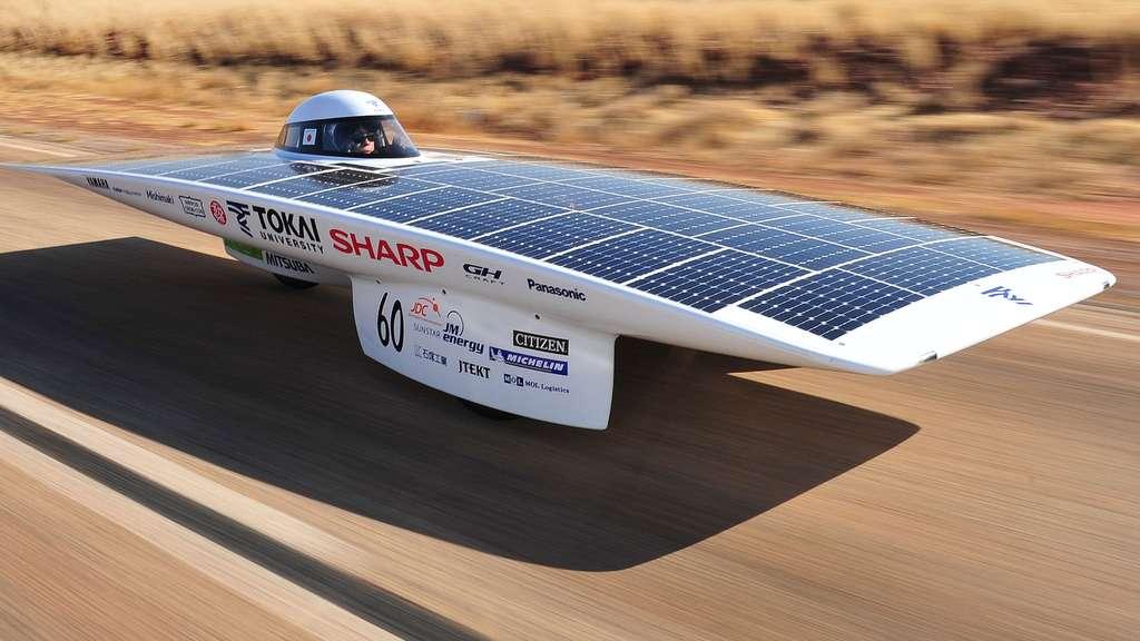 Le Tokai Challenger, une voiture solaire japonaise
