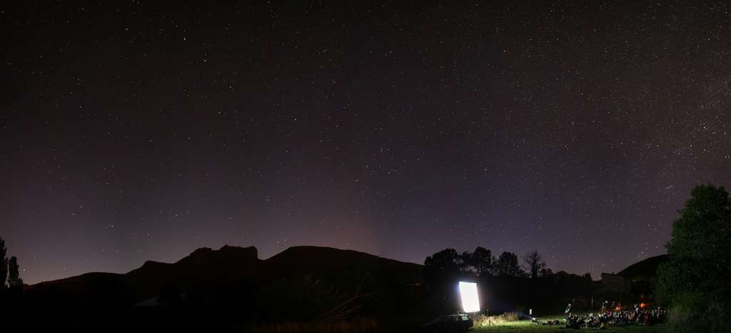 Projection sous les étoiles