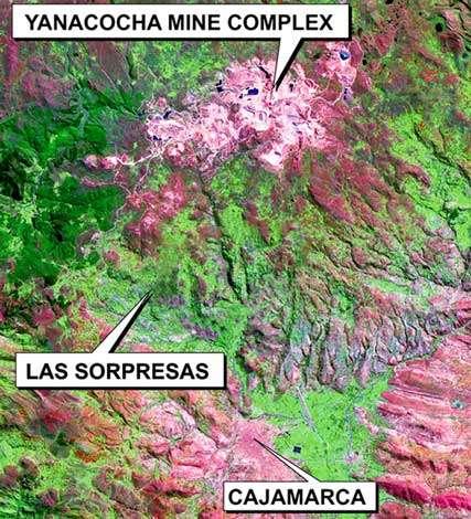 Peru Las Sorpresas et Yanacocha mines, vue satellite (fausses couleurs).