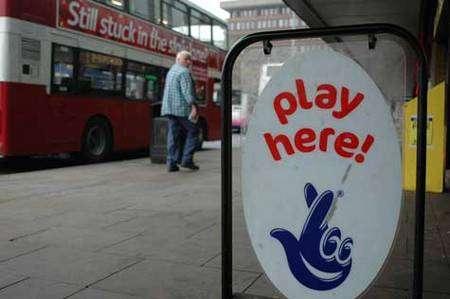 Le biais du parieur pousse les gens à rejouer, et explique en partie les comportements de jeu addictifs. © NG.