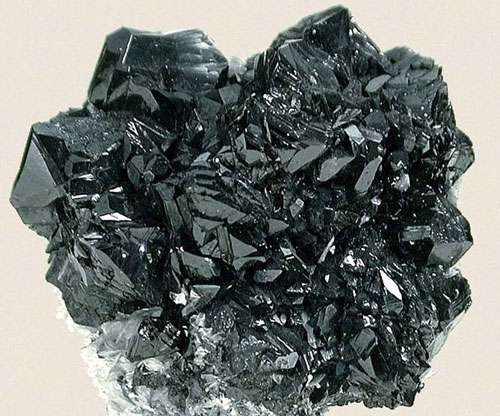 L'étain, un métal fascinant. Ici, de la cassitérite (SNO2). © Fabre Minerals