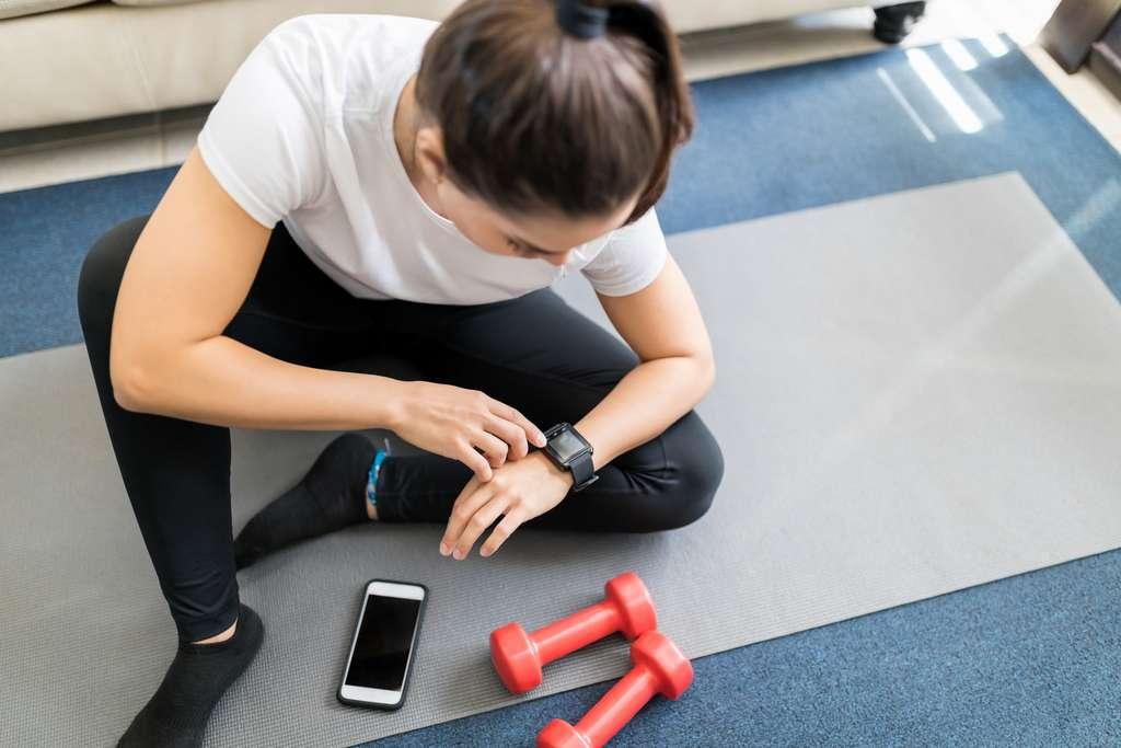 Une application permet de mesurer ses performances physiques. © AntonioDiaz, Adobe Stock