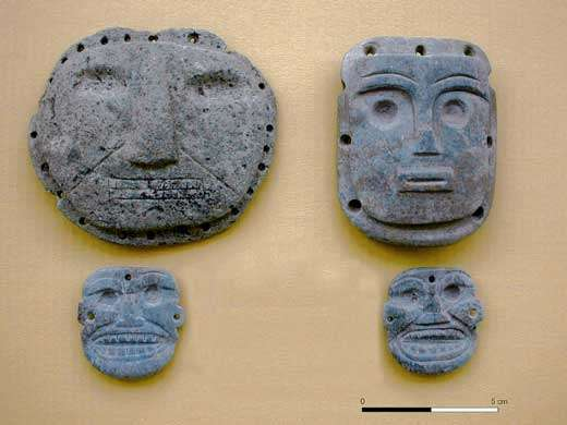 Petits masques en pierre. Santa Ana-La Florida Equateur - © Francisco Valdez IRD