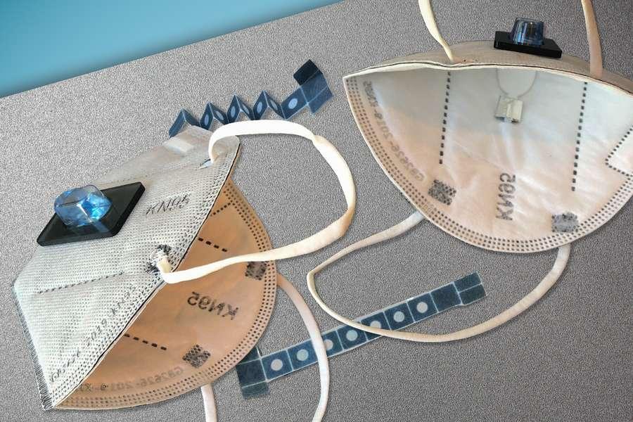 Le prototype du masque capable de détecter la Covid-19. © Felice Frankel et MIT News Office