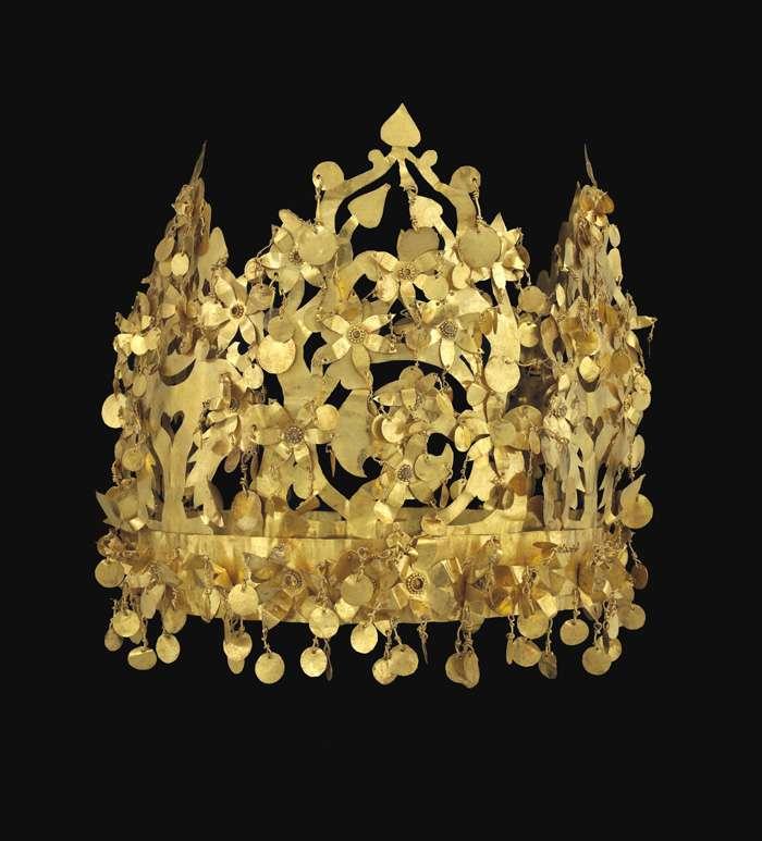 Couronne en or de la tombe VI, à Tillia tepe