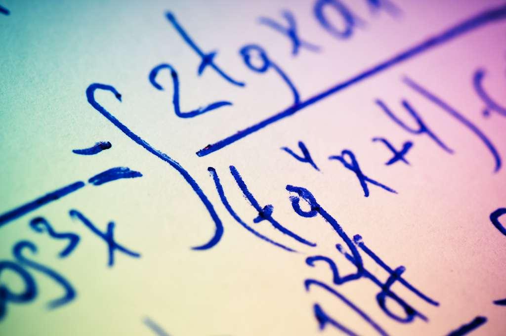 Les chercheurs ont réussi à démonter l'algorithme simplifié de Schönhage-Strassen, permettant de multiplier deux nombres avec beaucoup moins d'opérations. © Сергей Лабутин, Fotolia