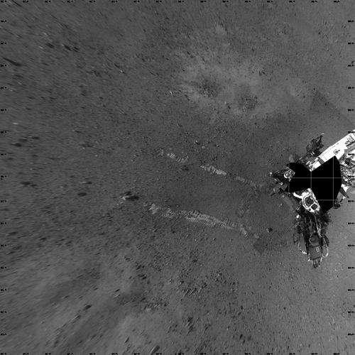 Vue aérienne des essais : les traces de roues de Curiosity
