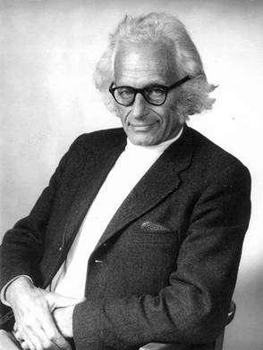 Herbert Fröhlich. Crédit : International Institute of Biophysics
