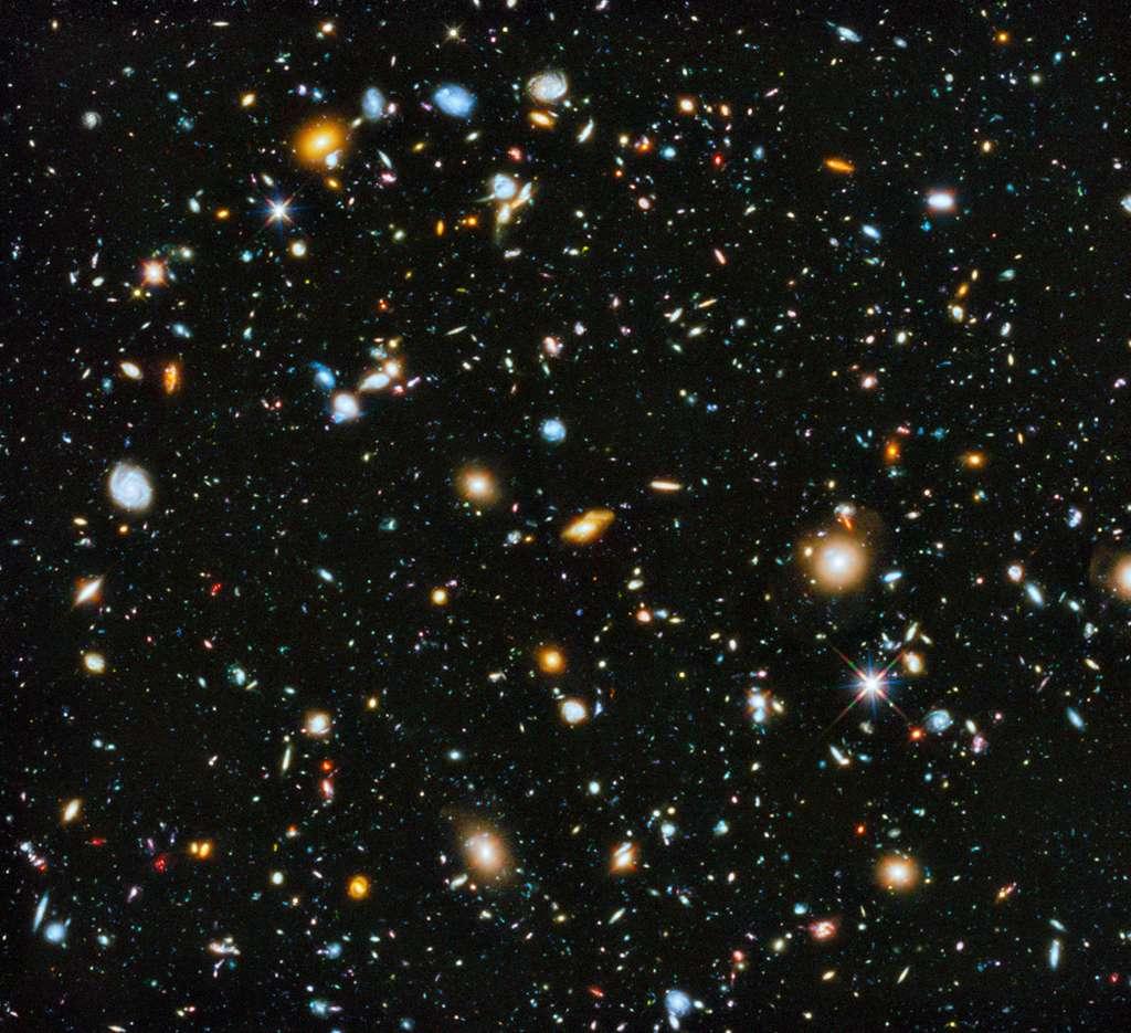 Depuis le Dôme A, en Antarctique, les astronomes sont convaincus qu'il est possible d'ouvrir une nouvelle fenêtre sur l'univers et l'observer dans le domaine des térahertz, à des fréquences supérieures à 1 milliard de hertz. © Hubble Science team, Nasa