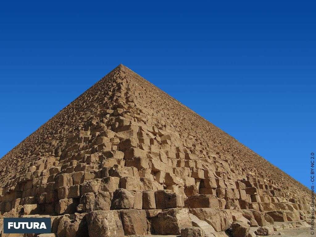 Pyramide de Khéops ou grande Pyramide de Gizeh