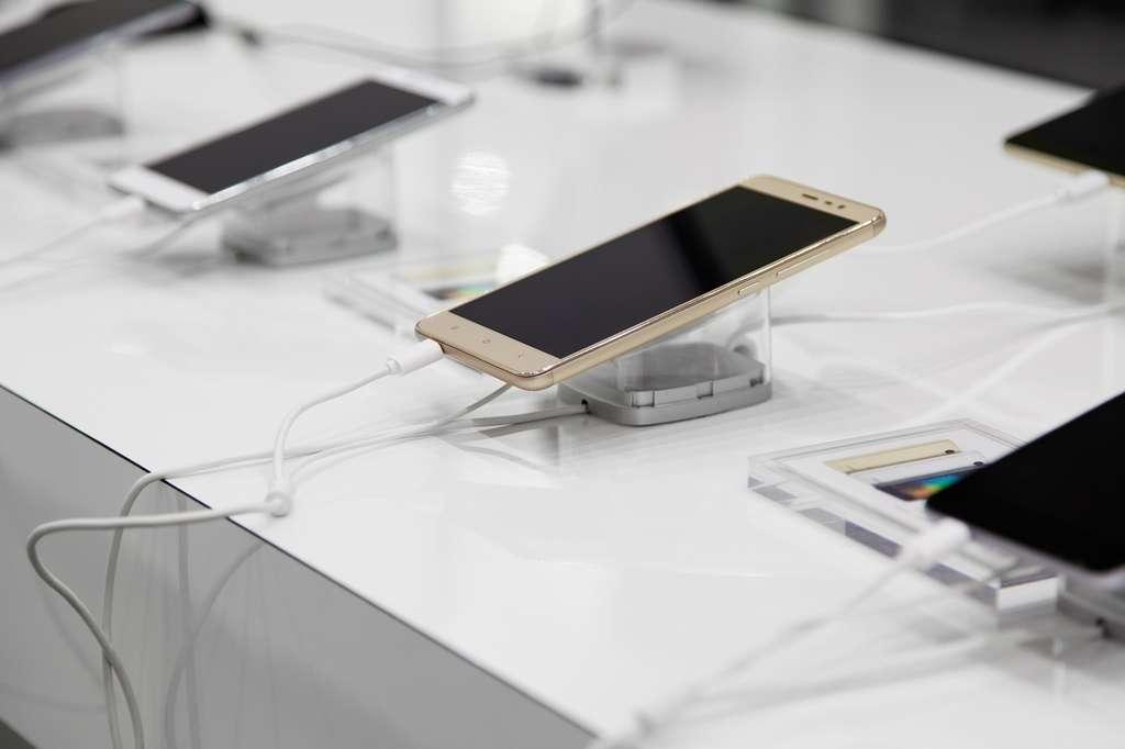 Changer de smartphone si l'ancien fonctionne toujours, est-ce bien raisonnable ? © zdyma4, Fotolia