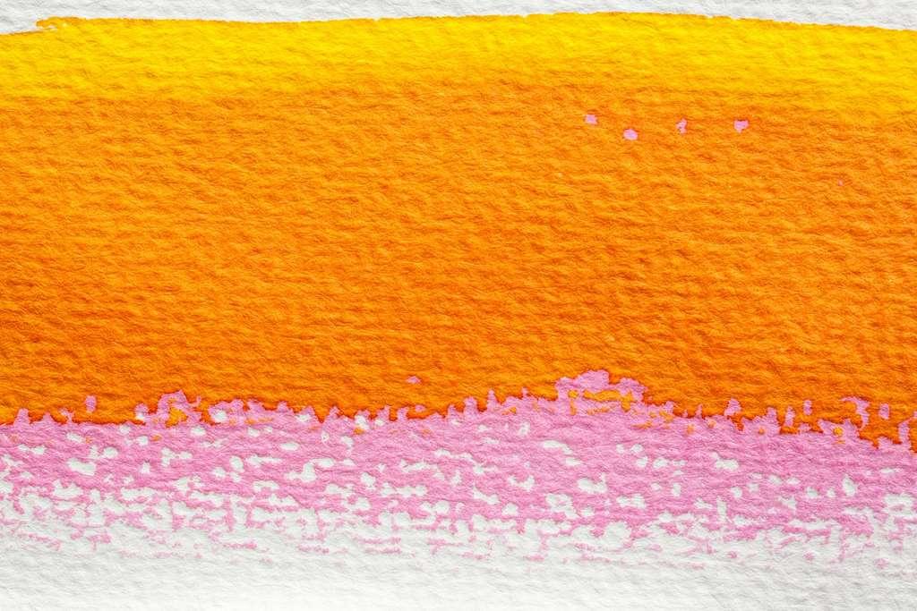 De l'essuie-tout peint avec de l'aquarelle, parfait pour emballer les cadeaux. © stux, Pixabay
