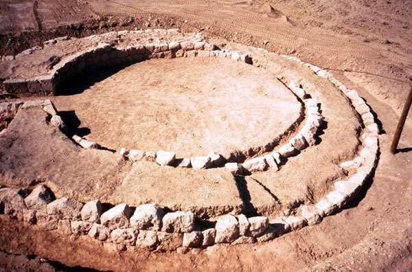 Dégagement d'une tour circulaire, près d'Apamée