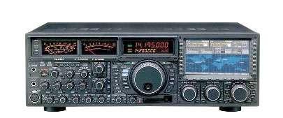 L'émetteur-récepteur ondes-courtes Yaesu FT-DX9000. Le nec plus ultra.
