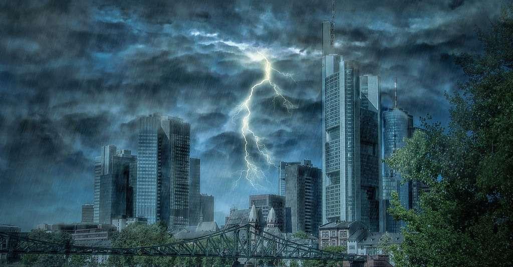 Nuit d'orage à Frankfurt. © Tabor - Domaine public
