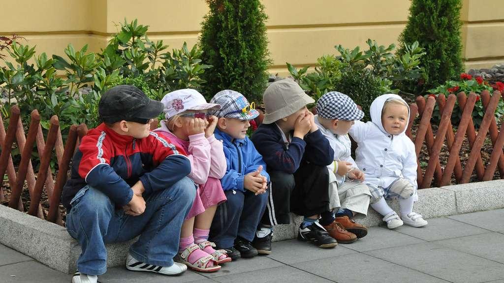 Combien d'enfants seront dans le village? © PublicDomainePictures, Pixabay, DP