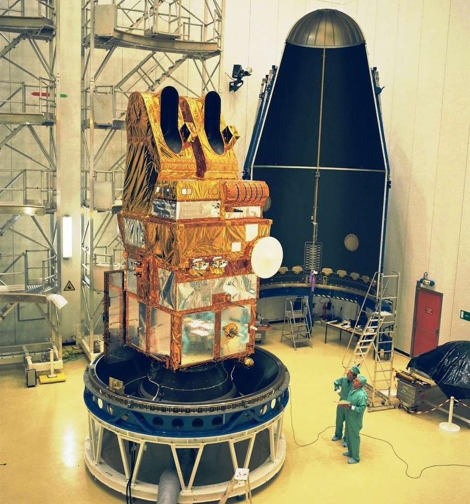 Le satellite d'observation Spot 4 avant la mise sous coiffe