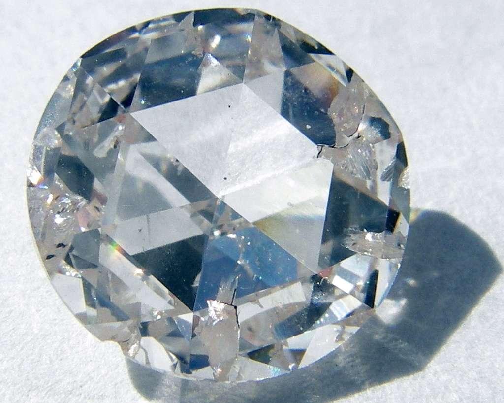 Ce diamant synthétique a été fabriqué grâce à la méthode de dépôt chimique en phase vapeur. © Steve Jurvetson, Wikipédia, CC by 2.0