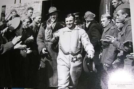 Youri Gagarine après son vol.