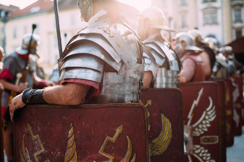 Historiquement, une légion romaine comptait dix cohortes numérotées de I à X. © Peter Bernik, Shutterstock