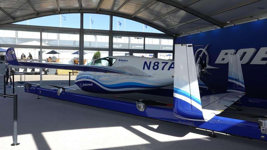 L'Autonomous Passenger Air Vehicle de Boeing présenté au Salon du Bourget (2019). Cet aéronef électrique à décollage et atterrissage verticaux pourrait être mis en service d'ici une dizaine d'années. © Rémy Decourt