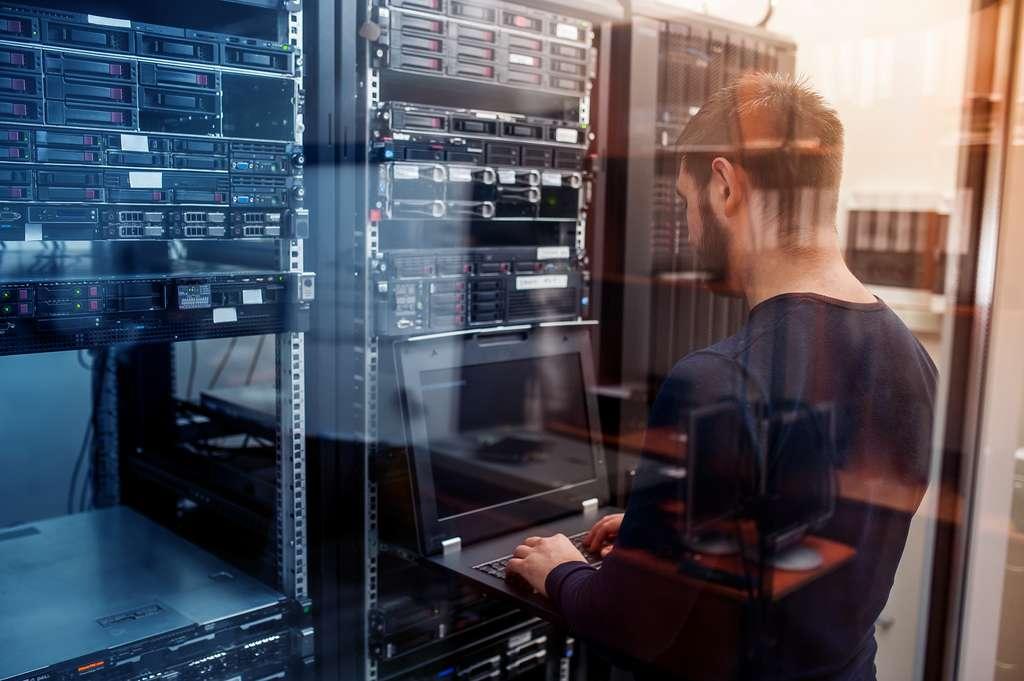 Les vulnérabilités et les failles de sécurité sont la hantise des entreprises. L'évolution technologique et la numérisation des données constituent des enjeux économiques énormes. © kiri, Adobe Stock.