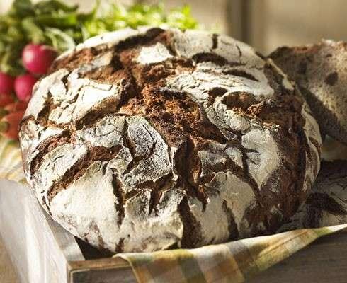 Essayez la recette pour obtenir du bon pain de seigle, fait maison ! © premieremoisson.com