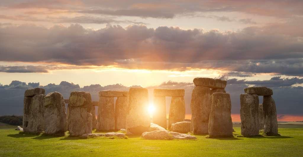 Le public pourra-t-il à nouveau admirer le solstice du côté de Stonehenge (Royaume-Uni) ? En 2020, la crise sanitaire avait poussé les responsables du site à proposer une retransmission vidéo de l'événement. © andrewmroland, Adobe Stock